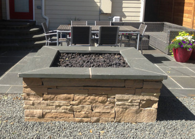 Outdoor Room, Bluestone Patio, Stripstone Fire Pit