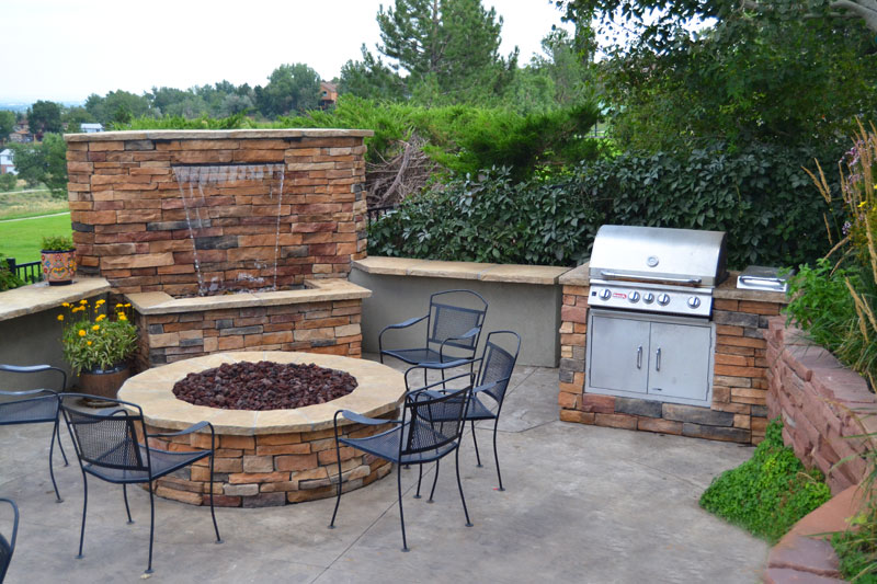 Firepit & Water Feature
