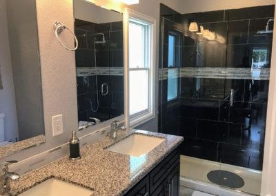 1652 Gaylord Bathroom