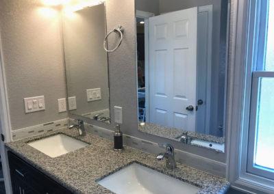 1652-Gaylord-bathroom-2