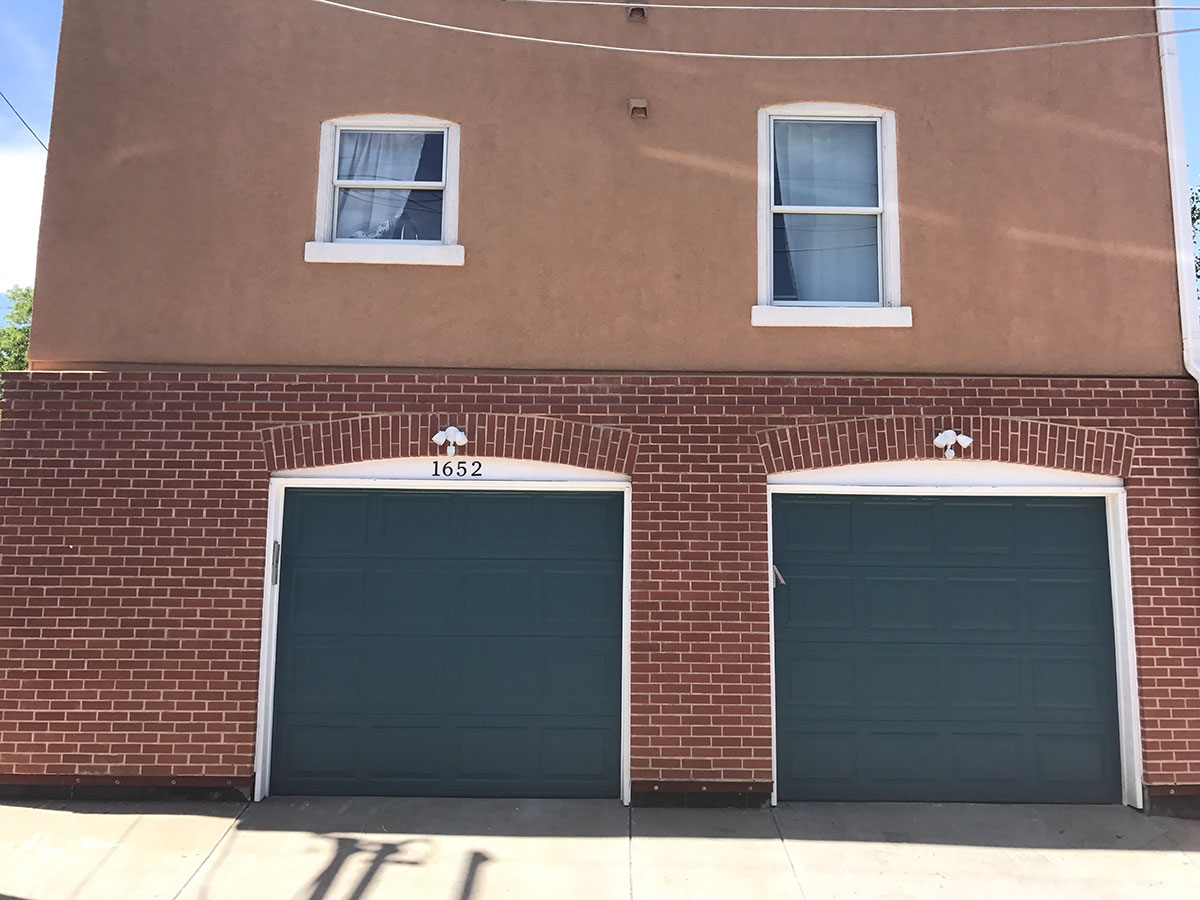 1652-Gaylord-garage