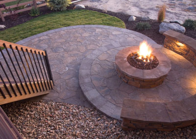 Bueatiful backyard firepit